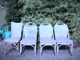 公園の椅子.jpg