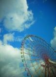 空と観覧車.jpg